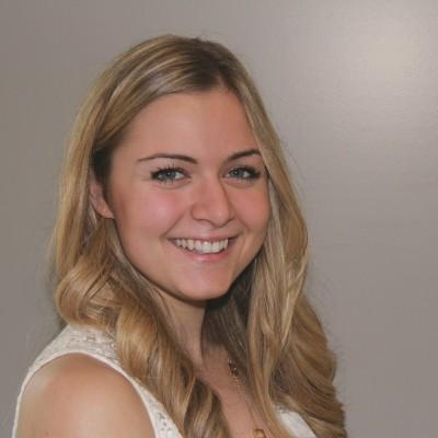 Elisa De Luca<br>Biology+ConEd <br> Graduate